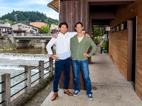 来年4月のコワーキングスペース運用開始に向けて動き出した住さん(右)と浅野さん(左)