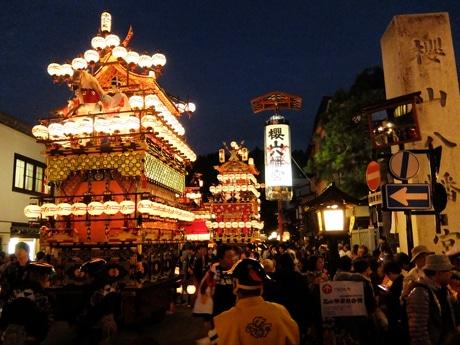 「秋の高山祭」開幕 修理を終えた「大八台」お披露目、5年ぶり全台出そろう