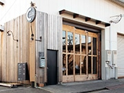 東大阪の上手工作所、火災から復活 半年遅れで新商品お披露目