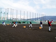 野球独立リーグ「ゼロロクブルズ」、本拠地花園で練習開始 村上監督「優勝しますよ」