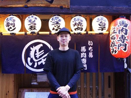 飲食事業部の山崎雄司さん