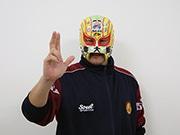東大阪に戦わない覆面レスラー「マスクド・東大阪」 プロレス好き高じて発案
