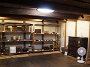 東大阪・旧河澄家で「昔の暮らし展」 蔵を初公開、200年前の漆器も