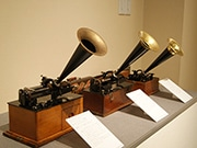 東大阪で音楽再生の変遷たどる特別展 蓄音機など64点展示、試聴会も