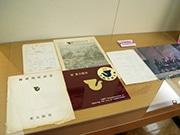 東大阪市役所で市制施行50周年記念展示 3市合併の軌跡と市民生活たどる