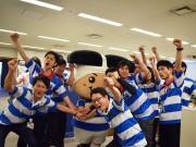 東大阪市役所、職員がラガーシャツでW杯PR クールビズ始まる