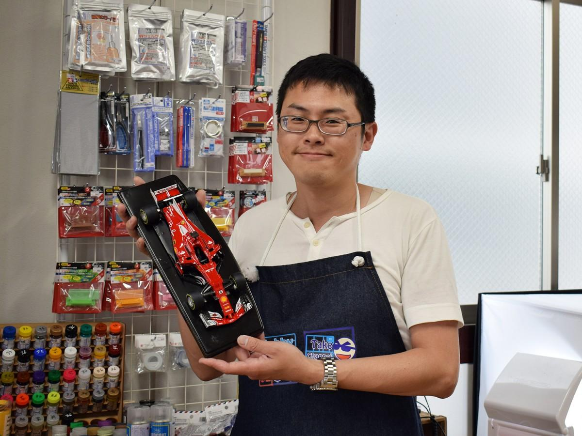 店主の藤本岳大さん