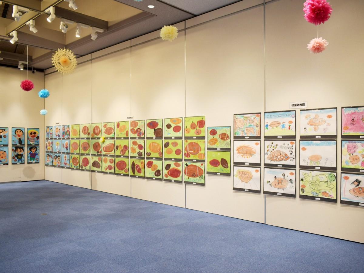 第4回「子どもラグビー絵画公募展」会場の様子
