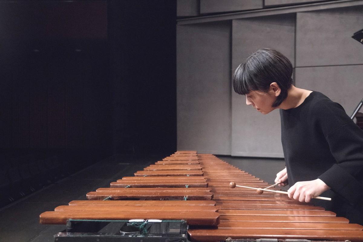 木琴・マリンバ奏者の通崎睦美さん ©井上嘉和