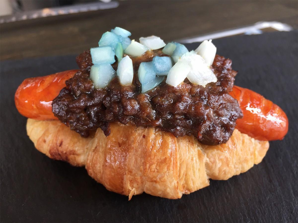アルゼンチンをイメージしたカレーパンショップMASARAの「プーマスドッグ」