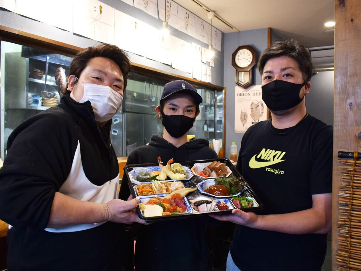 写真左から和顔施の中野さん、酒場 安仁屋の安仁屋さん、肉安来やの坂井さん