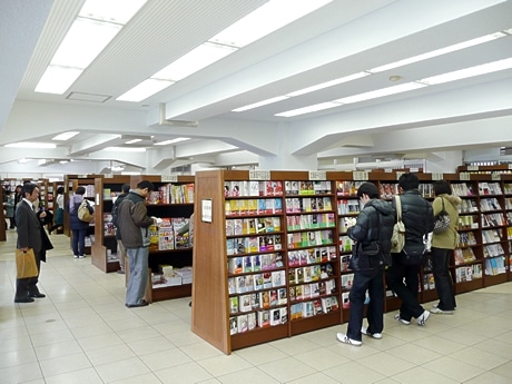 姫路駅ビルみどりの窓口跡地にできたジュンク堂姫路駅前店。