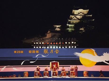 特設ステージでは、5団体による和太鼓、箏曲、郷土芸能「梯子獅子」などが披露される。(写真=昨年の模様)