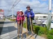 「あきらめなければ必ずできる」-竹馬で日本縦断挑戦中の夫婦が姫路入り