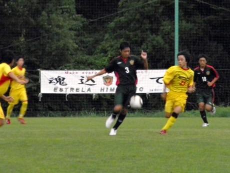 決勝トーナメント進出を決めた「エストレラ姫路ジュニアユース」チームの最終予選日の様子。