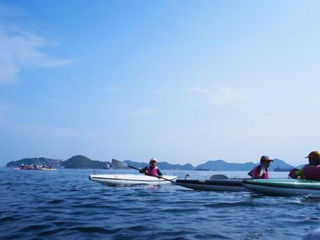 家島コンシェルジュが提案するアクティビティ「カヌー体験」の様子