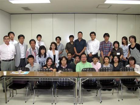 姫路労働会館(姫路市北条1)で9月21日に開催された「福祉連携協議会」第5回定例会の参加者ら