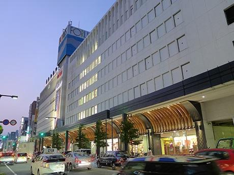 新規3店舗が同時オープンした「姫路フォーラス」(姫路市東駅前町)。9月13日