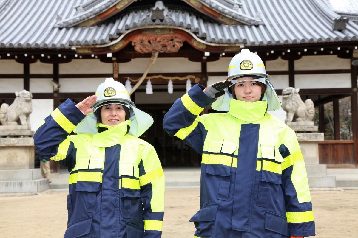 左:羽田由美さん。右:八木佑香里さん。
