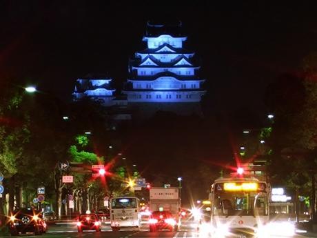 初めての記事は姫路城をブルーライトアップ