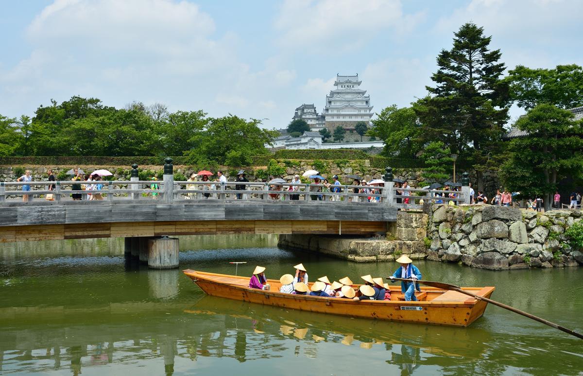 映画「引っ越し大名!」のモデルとなった姫路城