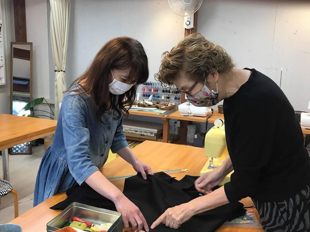 (左から)寺田光代さん、西川紀美子さん