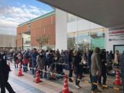 枚方・くずはモールで初売り 開店前に4500人の行列、14万4000人が来店