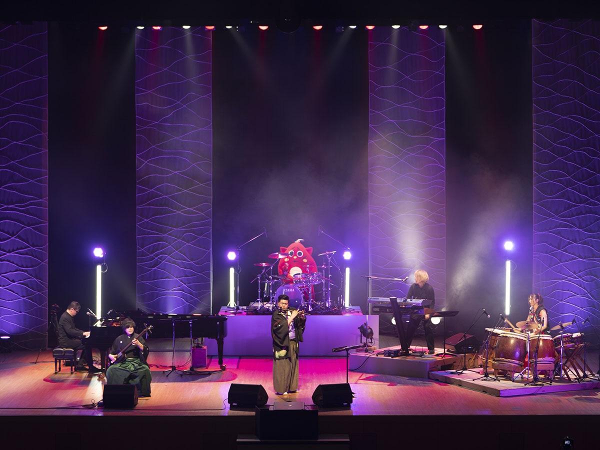 イトケンが和楽器とコラボ!20数年ぶりの再会に涙も 青森で開催された「ゲー音ツガル」