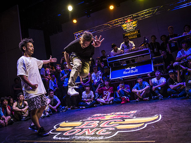 昨年のブレイクダンスバトルの様子 © Jason Halayko/Red Bull