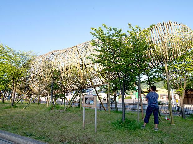 24.8メートルのナスラー。白神山地ビジターセンターの入り口に作られた
