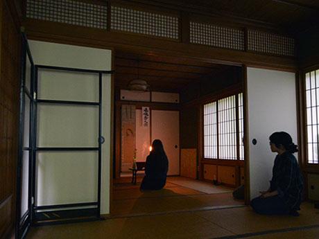 一年に1回、1時間のみ幽霊画を公開する久渡寺の和室