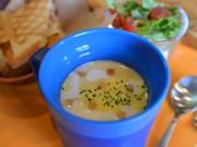弘前にスープスタンド「スープライダース」 スープ好きが高じて開業