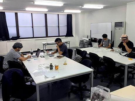 弘前のワークスペースSHIFT