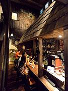 弘前のバー「グランパ」が移転 パブ「グランパ」に呼称変更、「テーマパーク」コンセプトに