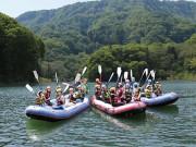 青森・津軽白神湖でカヌーイベント 五輪選手の指導教室も
