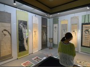 弘前で「ゆうれい展」 「次第に浮き上がっている」幽霊画など約100点
