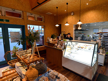 ワノワイナリーのカフェスペース