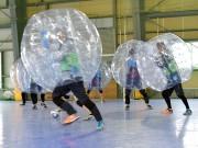 弘前でバブルサッカー大会 冬場の屋内スポーツとして企画
