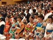 弘前で成人式 新成人1799人の門出祝う