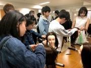 弘前の専門学校で美容体験イベント ゲストに「りんご娘」
