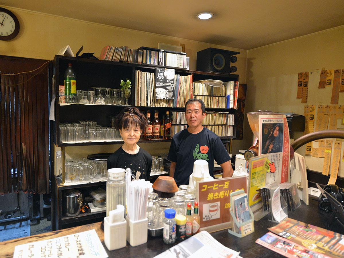 川嶋幸子さん(左)と景介さん(右)