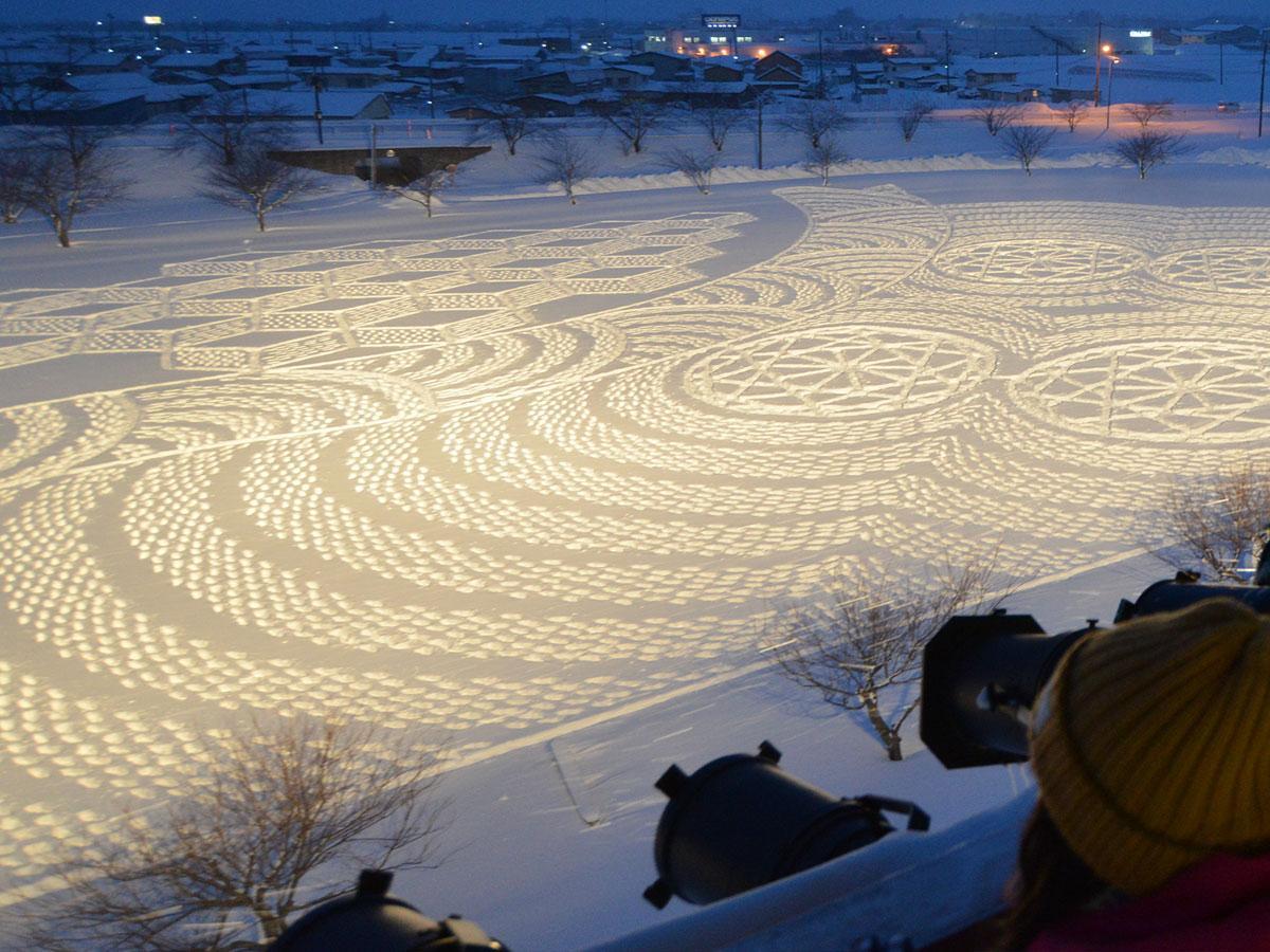 「津軽平野」をテーマにした冬の田んぼアート