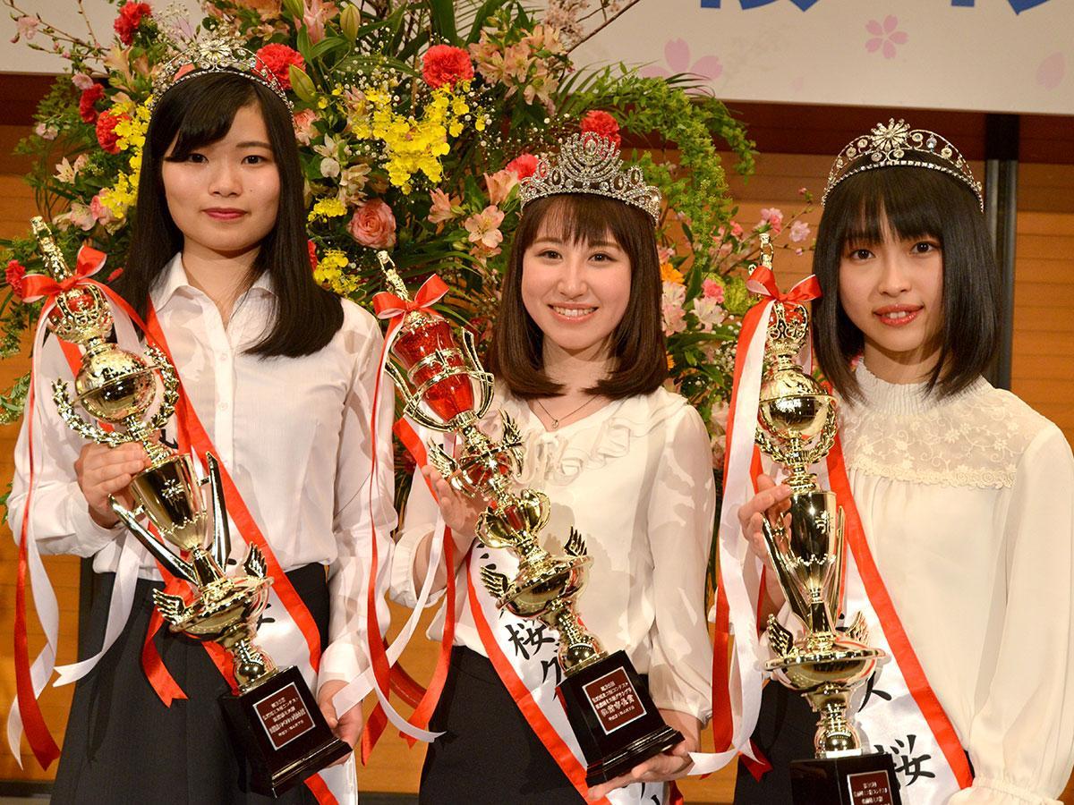 (左から)佐伯ちひろさん、松山睦実さん、西村菜々穂さん