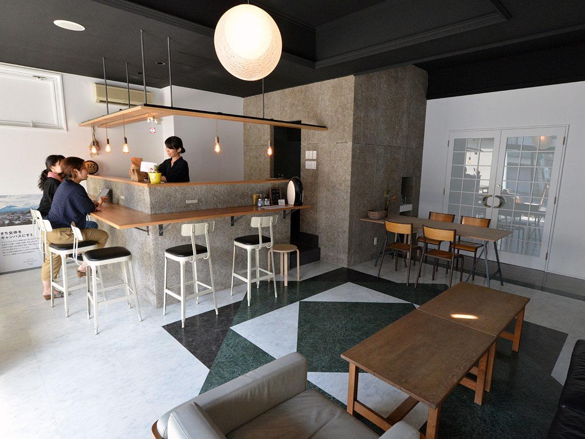 一般の利用が可能になったカフェスペース