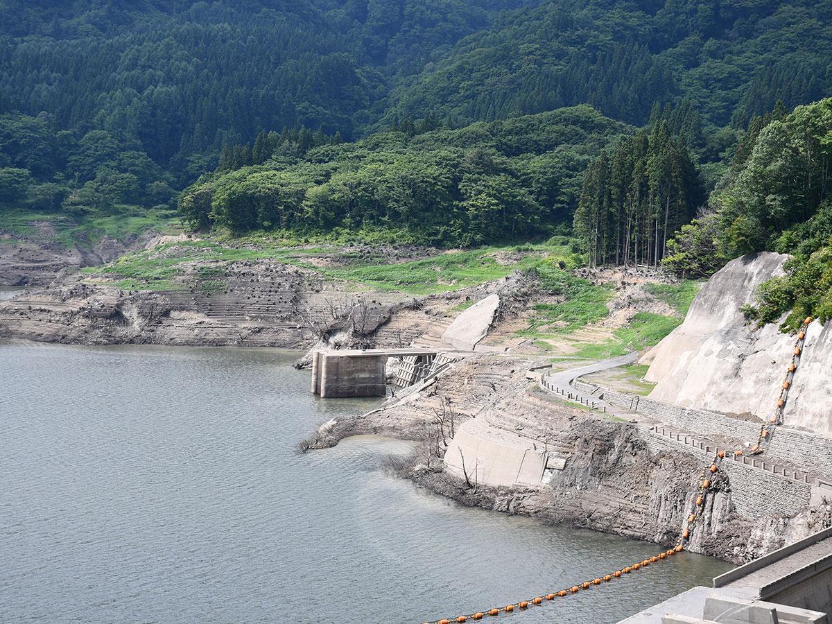8日13時30分ころに撮影した津軽白神湖