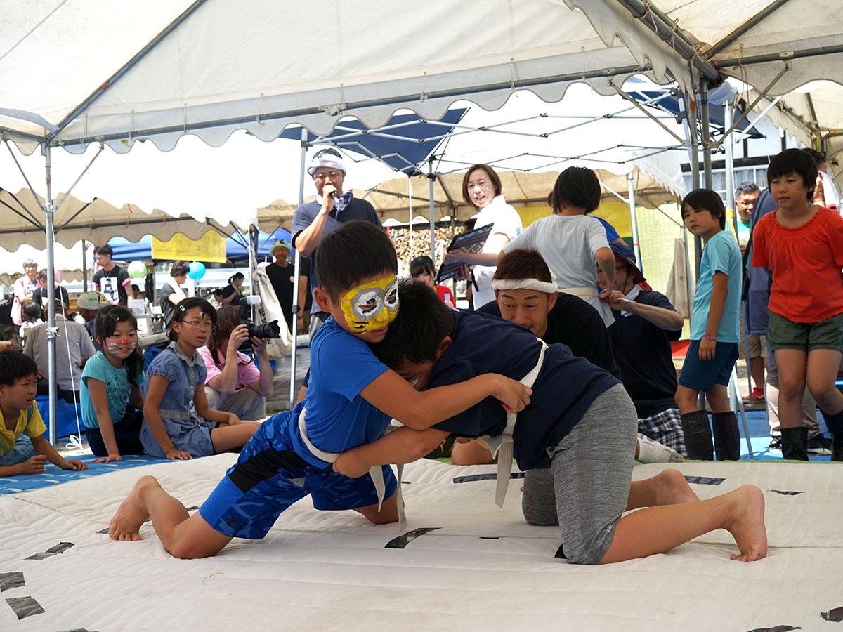 奉納相撲として行ったねまり相撲大会