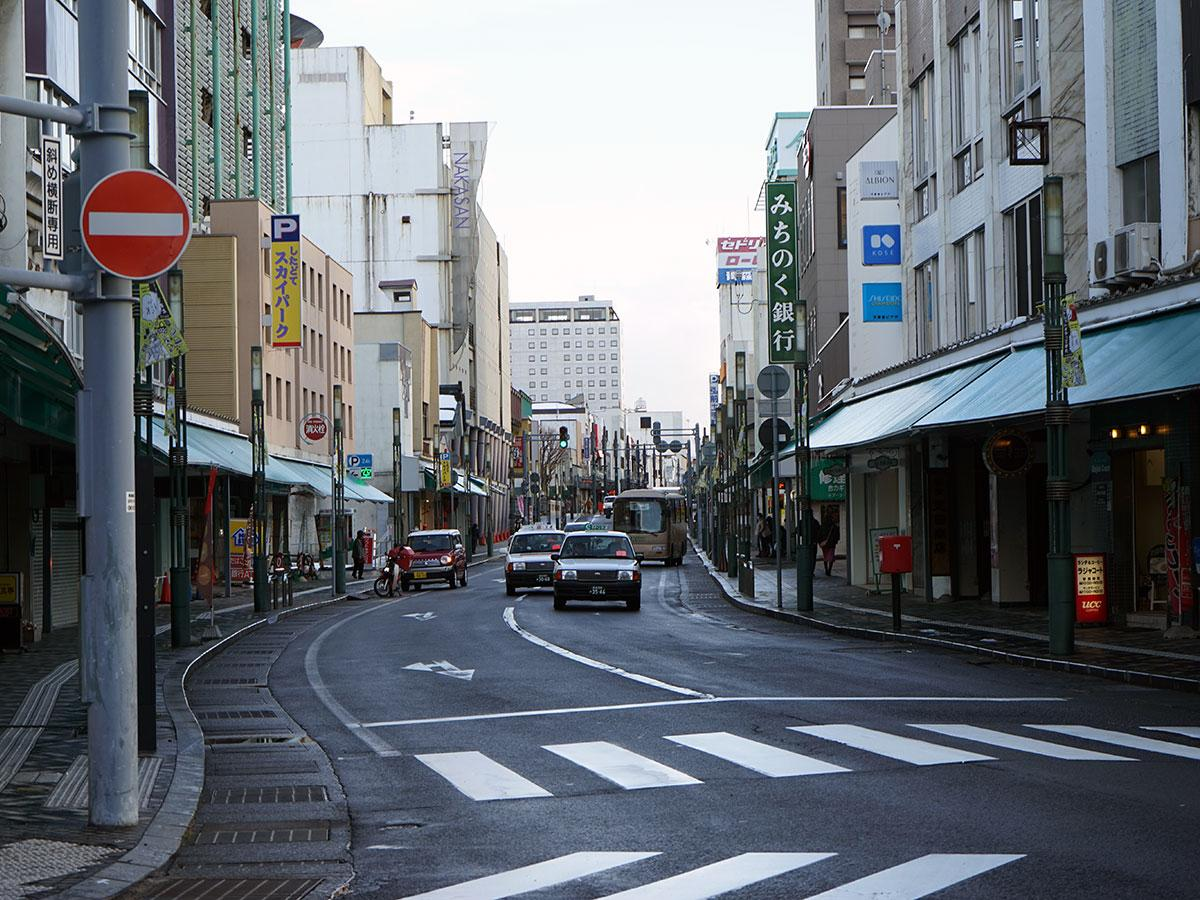 雪がない土手町通り(1月20日撮影)
