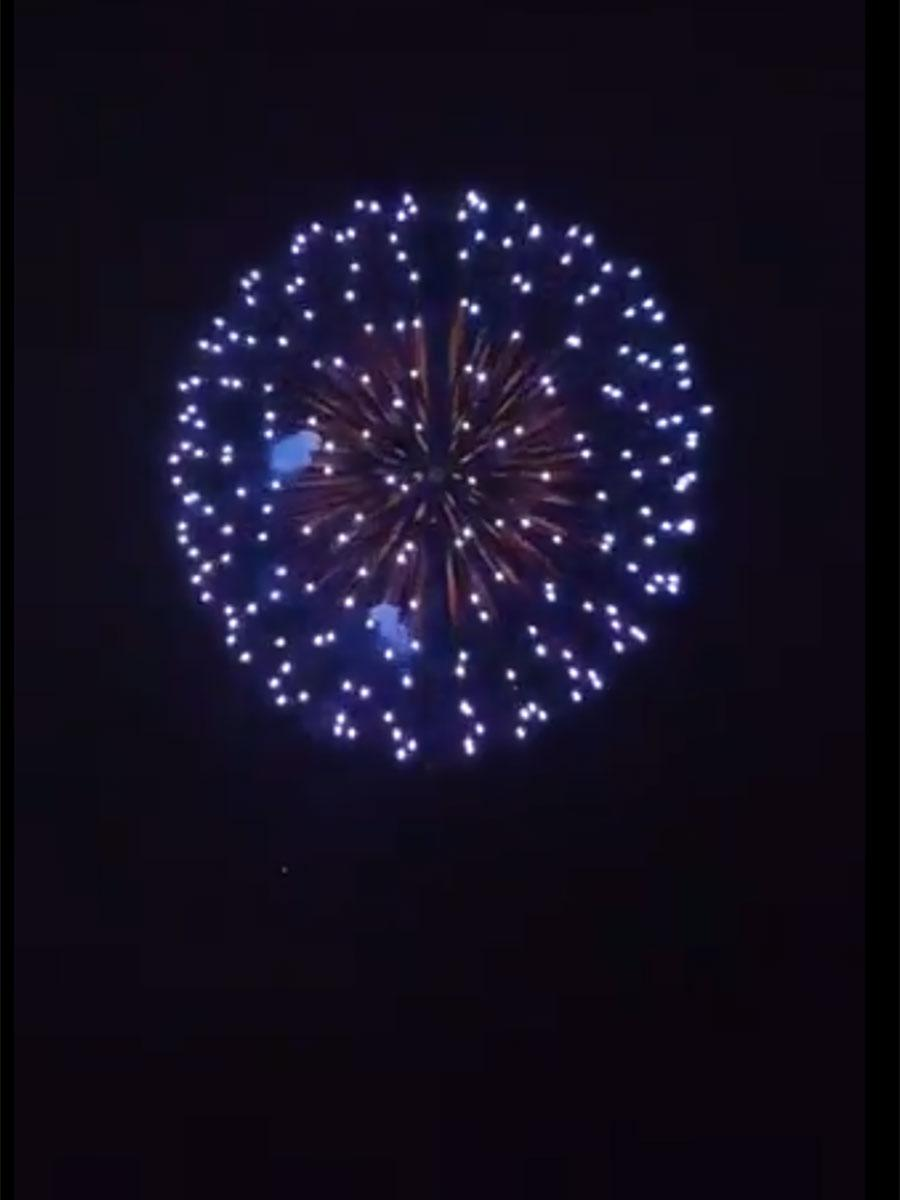 弘前で20時に打ち上げられた花火(画像提供=リンリンさんの投稿動画から)