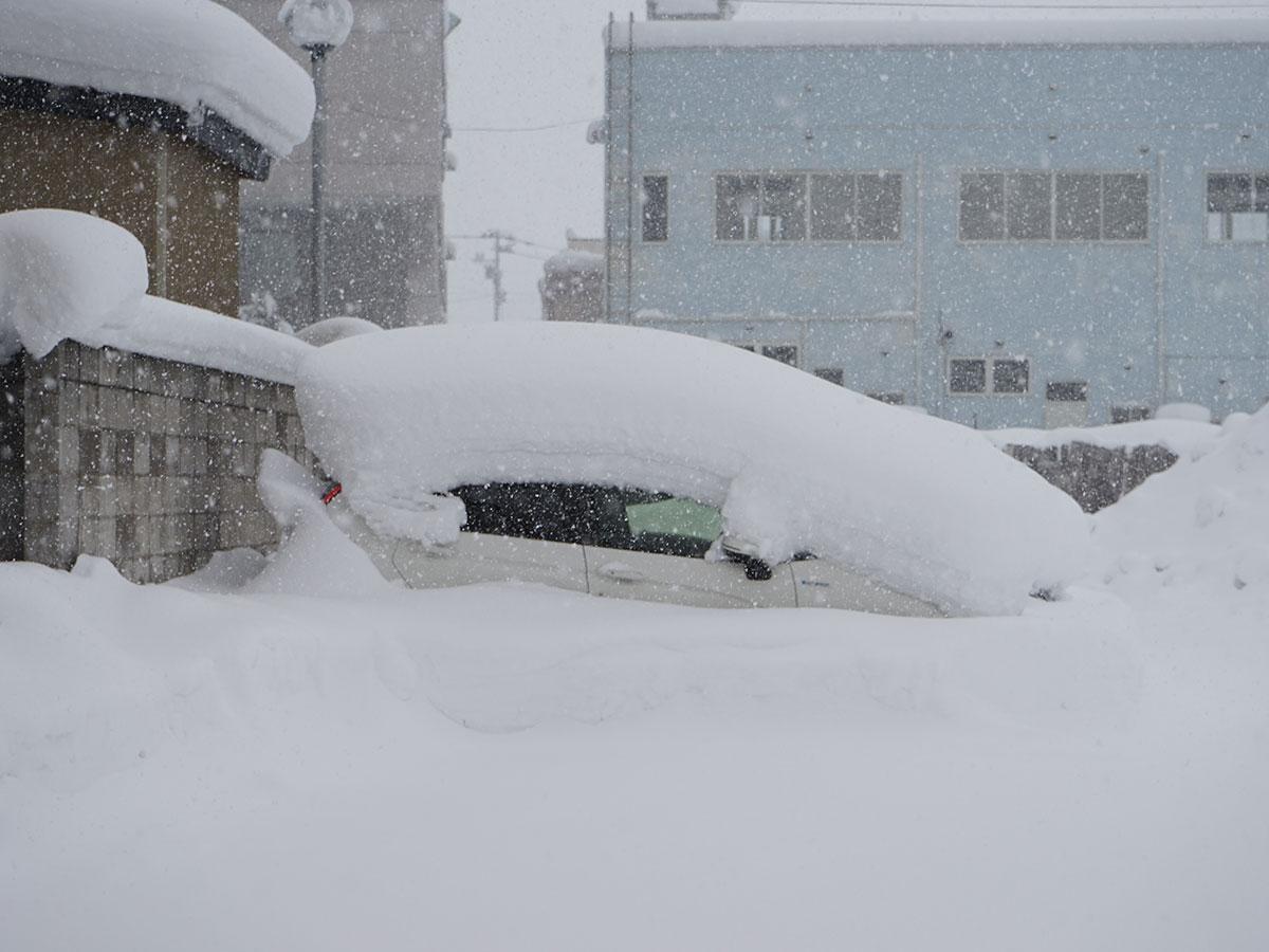 2月9日に降雪量が全国一位になった際の弘前市内の様子