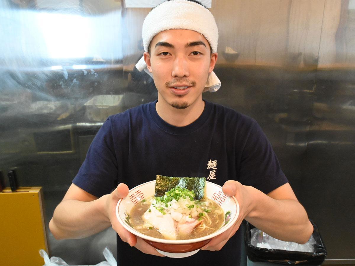 「麺屋 謝」店主の福長龍馬さん